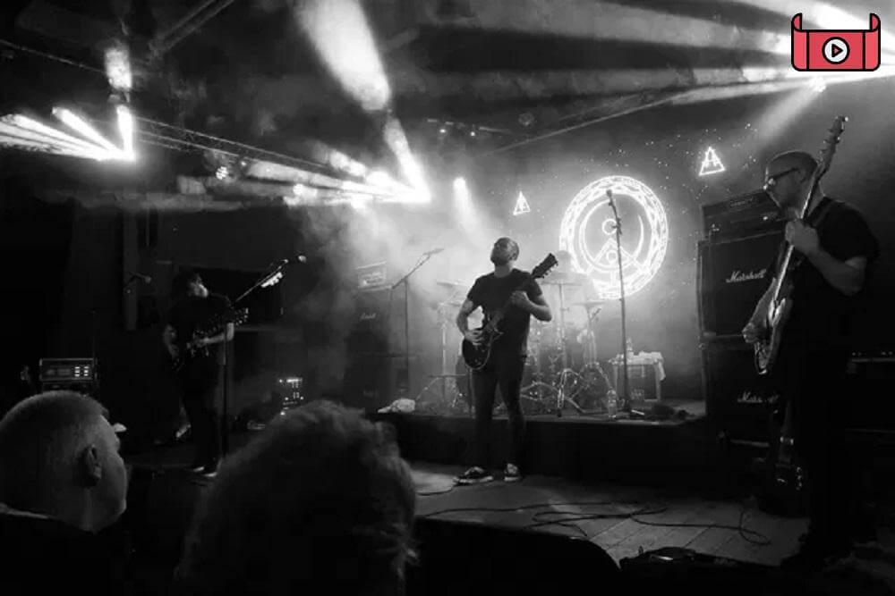 Dvne Hakan - فیلم واقعیت مجازی کنسرت Black Mirror